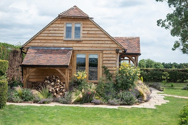 one bed annexe with log store
