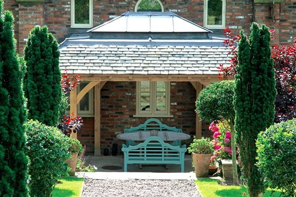 Oak Shelter with Roof Lantern